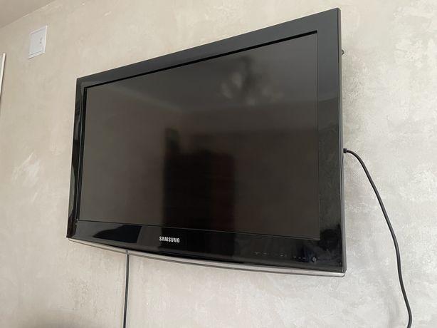 Продам телевизор Samsung 81 см