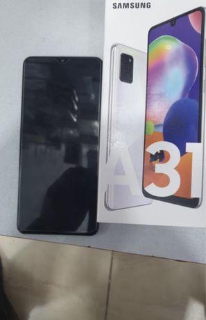 Samsung A 31 в комплнкте зарядка чехол