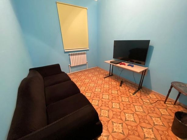 Ps 4 slim + Телевизор AVA+ диван трехместный
