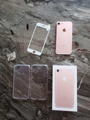iPhone 7 rose (+3 folii sticla și 2 huse)
