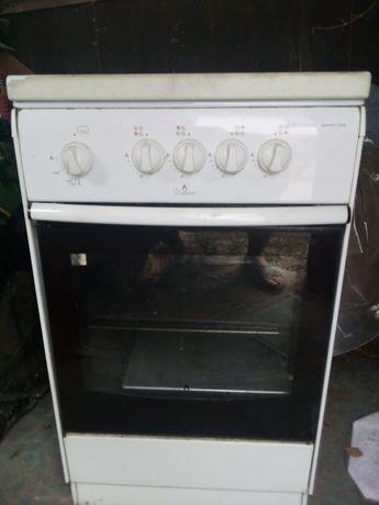 Продам  газовую  плиту за 25000