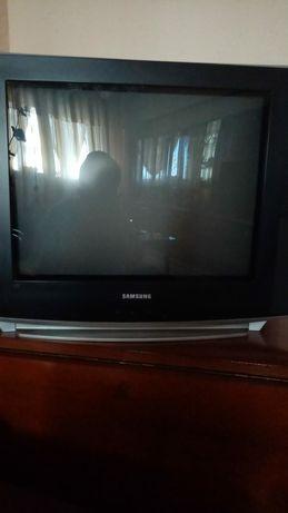 Televizoare PHILIPS si samsung