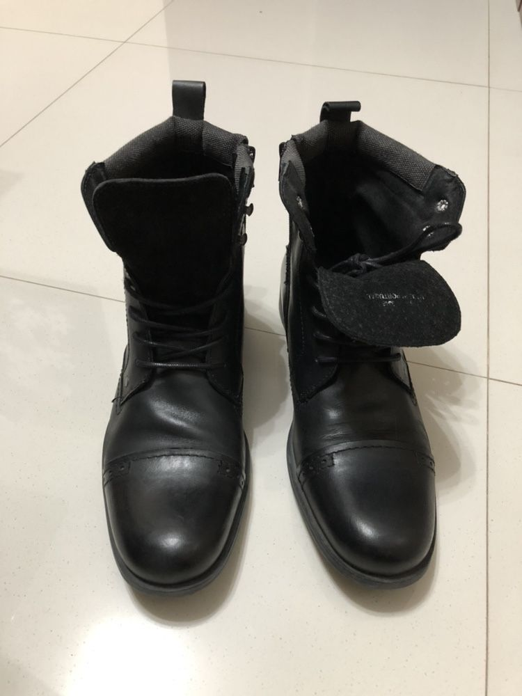 Pantofi stil gheata sau schimb cu diverse