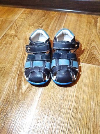 Детские сандали кожаные