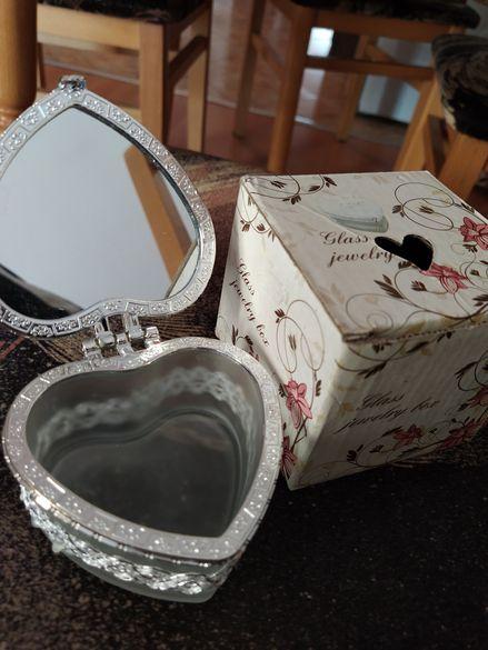 Кутийка за бижута (нова)