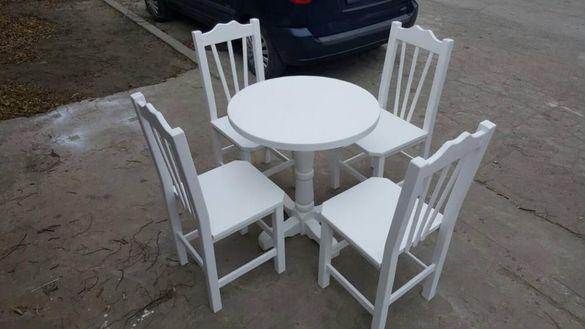 Кръгла маса и столове