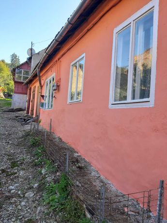 Vand casa in centru (sau schimb cu aparatament in Sighisoara)