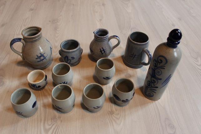 Set ceramic traditional pentru vin, 12 piese, stare perfecta