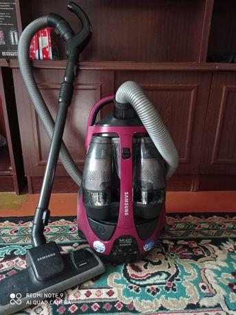 Продается пылесос Самсунг 2200w
