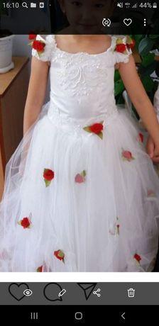 Продам шикарное белое платье