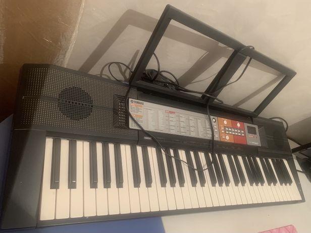 Синтезатор пианино YAMAHA