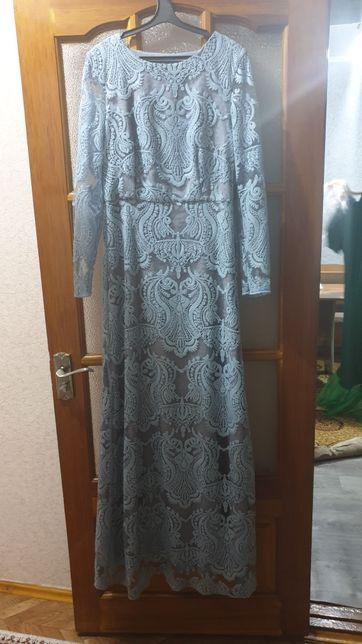 Платья почти новое белое новое светло- голубое одевалась один раз
