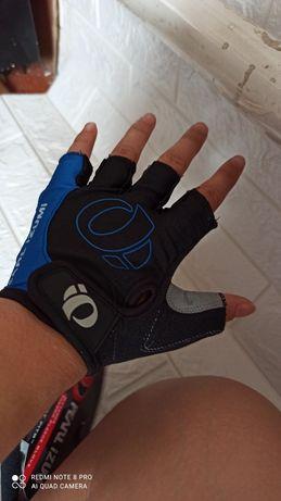 Вело перчатки велосипедные без пальцев.