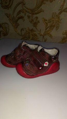 Продам ботиночки на осень