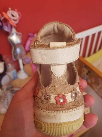 Pantofi piele fetite marimea 19