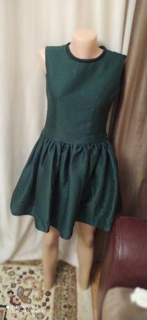 Вечернее платье Изумрудного цвета на тонкую талию