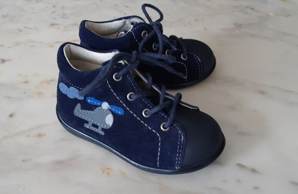 Нови обувки за момче 21 номер