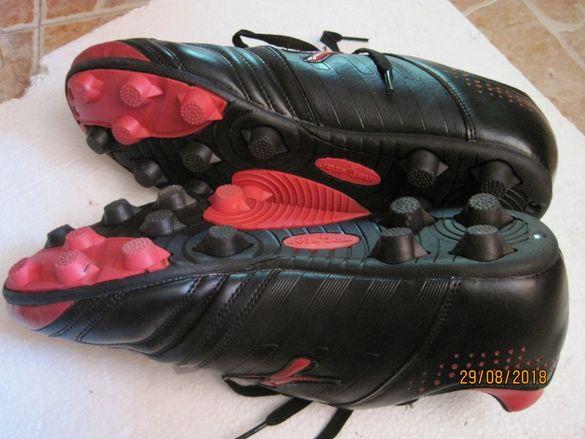 Червено-черни гумени бутонки