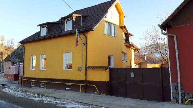 Casa Hoghiz,Cuciulata,Brasov la drum național