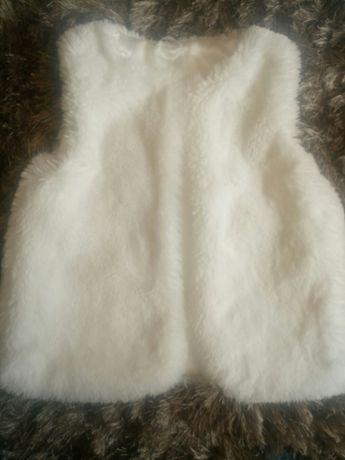 Vesta blana fete