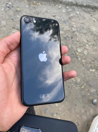 Iphone SE - 64gb в идальном состаянии