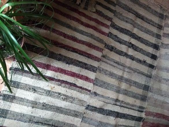 Голям автентичен ръчнотъкан килим