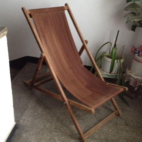 șezlong lemn (vechi )