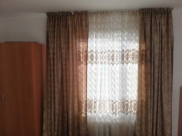 Два комплекта штор с тюлью