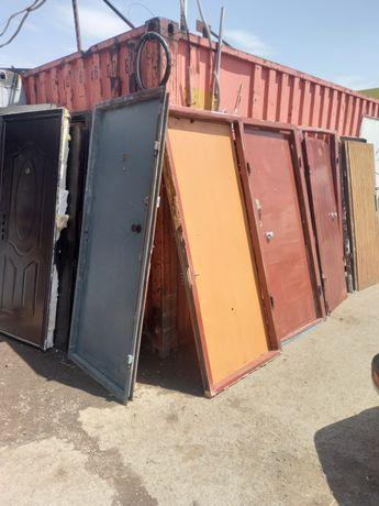 Продам железные металлические двери