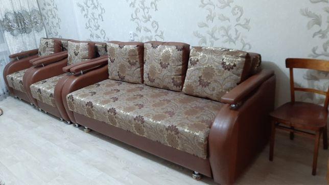 Продам диван+2кресла
