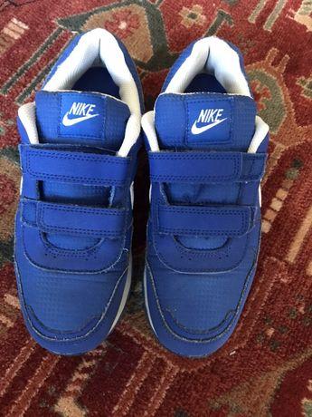 Nike, marime 35,