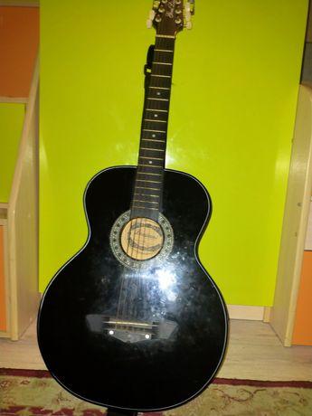 Продам гитару lanjian