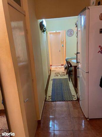 Apartament 3 camere decomandate, Obcini