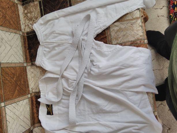 Продаю кимоно на рост165-170