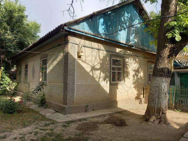 СРОЧНО ТОРГ. Продаётся жилой Дом с хоз постройками гаражом и баней
