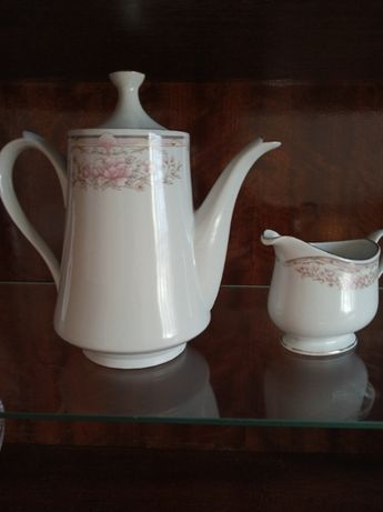 Продаю новый заварной чайник и молочник