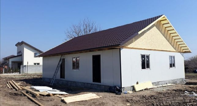 case modulare  pe structura metalica