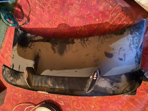 Задний багажник и стоп фонари Ауди 100 С 4 цена 20 000 тенге