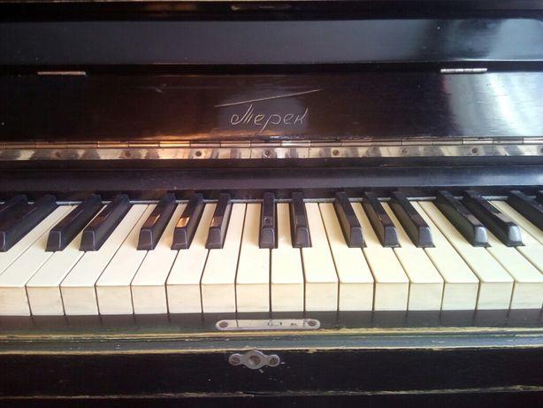 Пианино Терек  АРТ 102