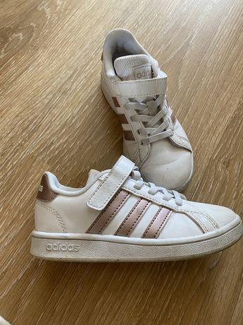 Кроссовки adidas на девочку размер 28