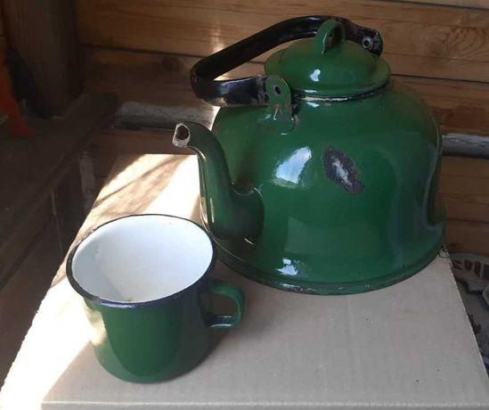 продам Чайник и кружка эмалированные Советских времен.