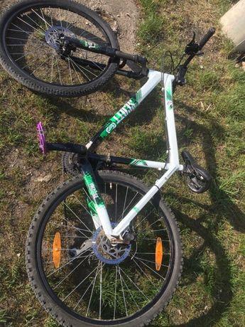 Bicicleta scott,arată și funcționează fb.furca pe fata este rupta