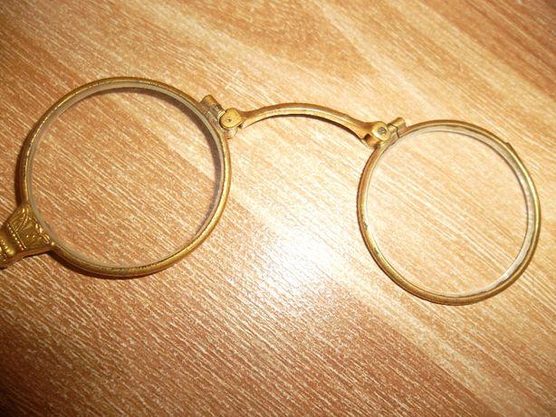 LORNION / LORNIETA ( ochelari vechi plianti cu mâner ), de colectie !