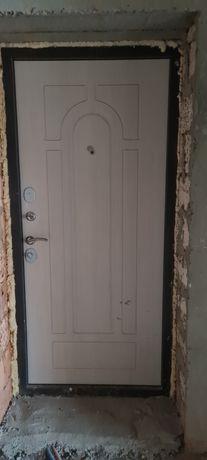 Входная дверь металлическая. Белоруская фирма Бульдорс