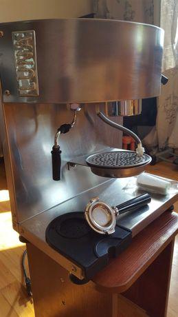 Кофемашина с капучинатором LUNA на чалдах