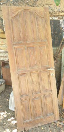 Наружние и межкомнатные Двери деревянные узорчатые