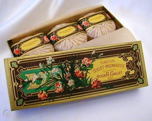 Парфюмни сапуни Roger & Gallet Oeillet-Mignardise 3 x 100g.