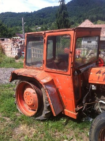 dezmembrez tractor utb 445 550 640 sau fiat
