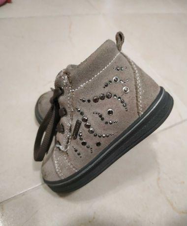 Обувки primigi 21