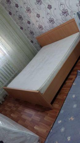 Продается кровать,диван с креслом,2 кресла